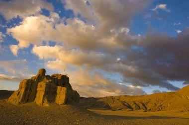 shegar,tibetan landscape in a town near mount everest