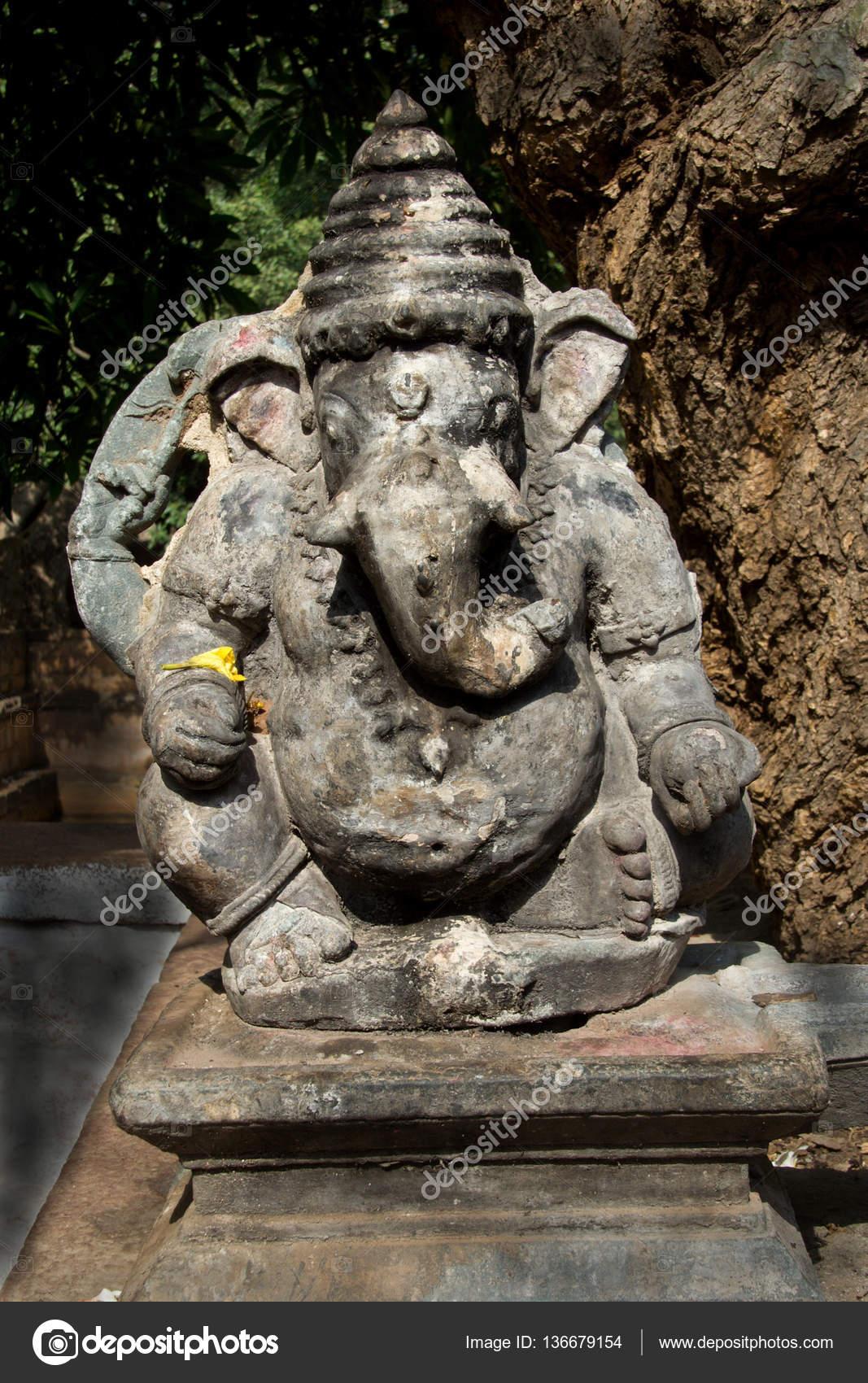 Stone statue of ganesha u2014 stock photo © mcmorabad #136679154
