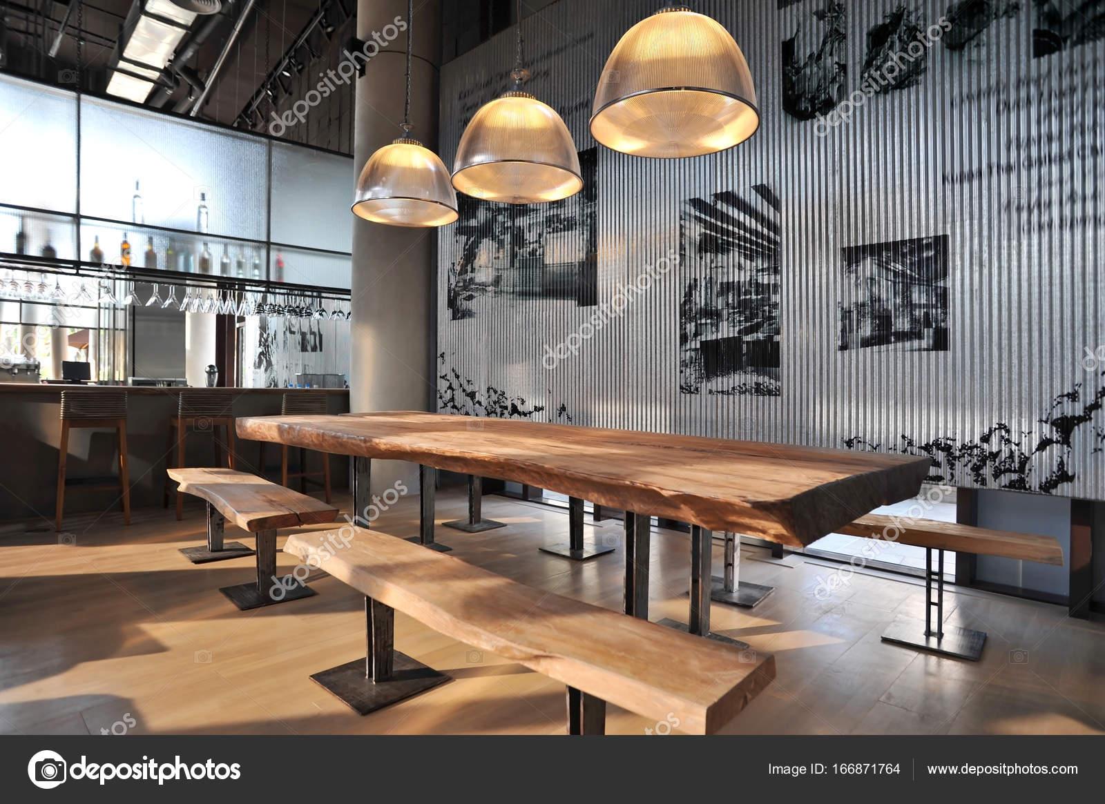 Fotos loft industrial estilo de barra de loft for Decoracion loft industrial