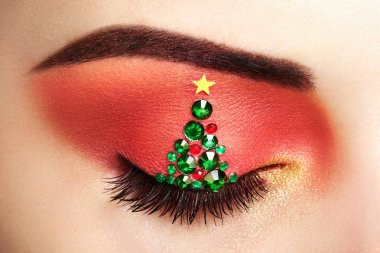 Eye girl makeover christmas tree