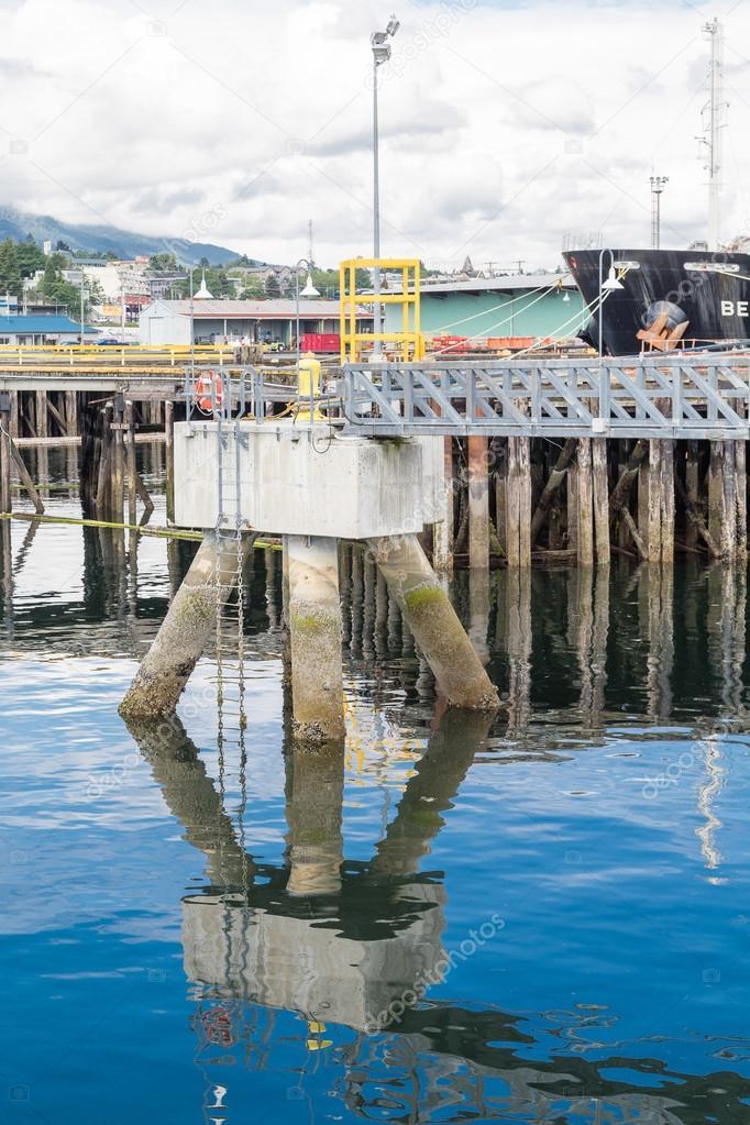 Piattaforma di ormeggio nel porto di nanaimo foto stock for Piani di piattaforma di piattaforma