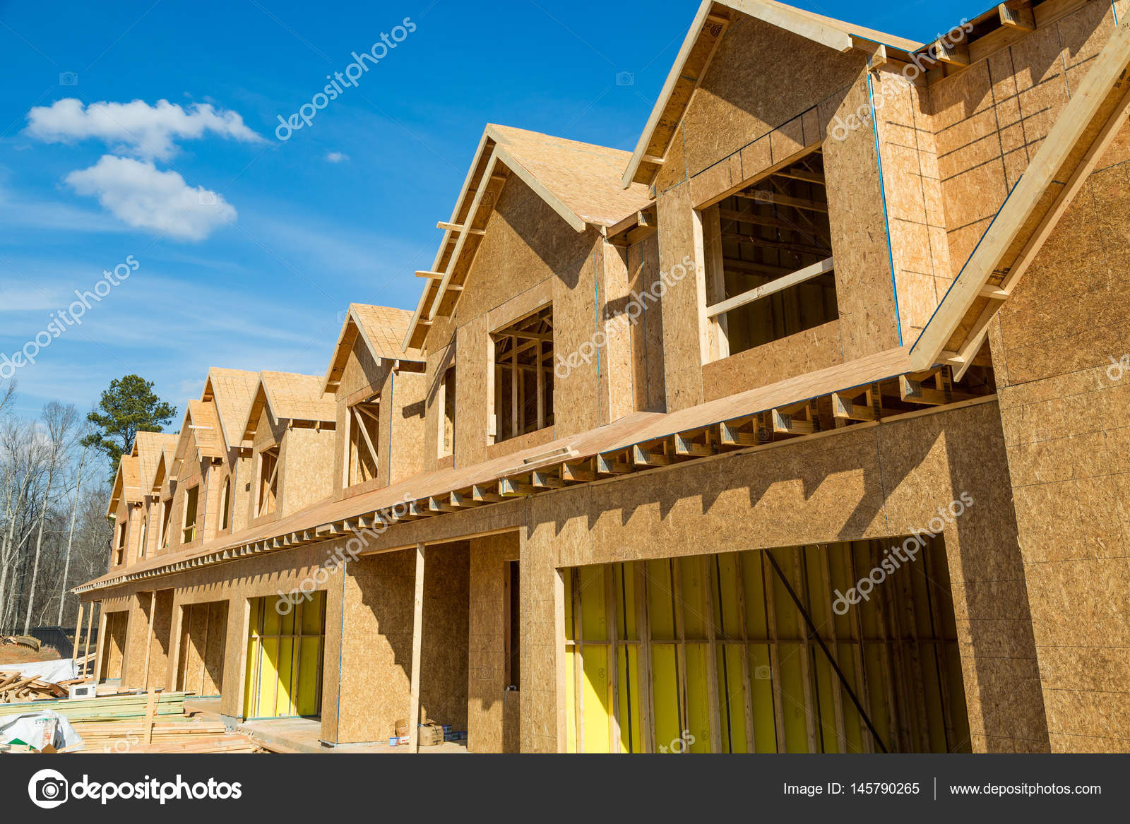 Holz Haus Neubau Stockfoto C Dbvirago 145790265