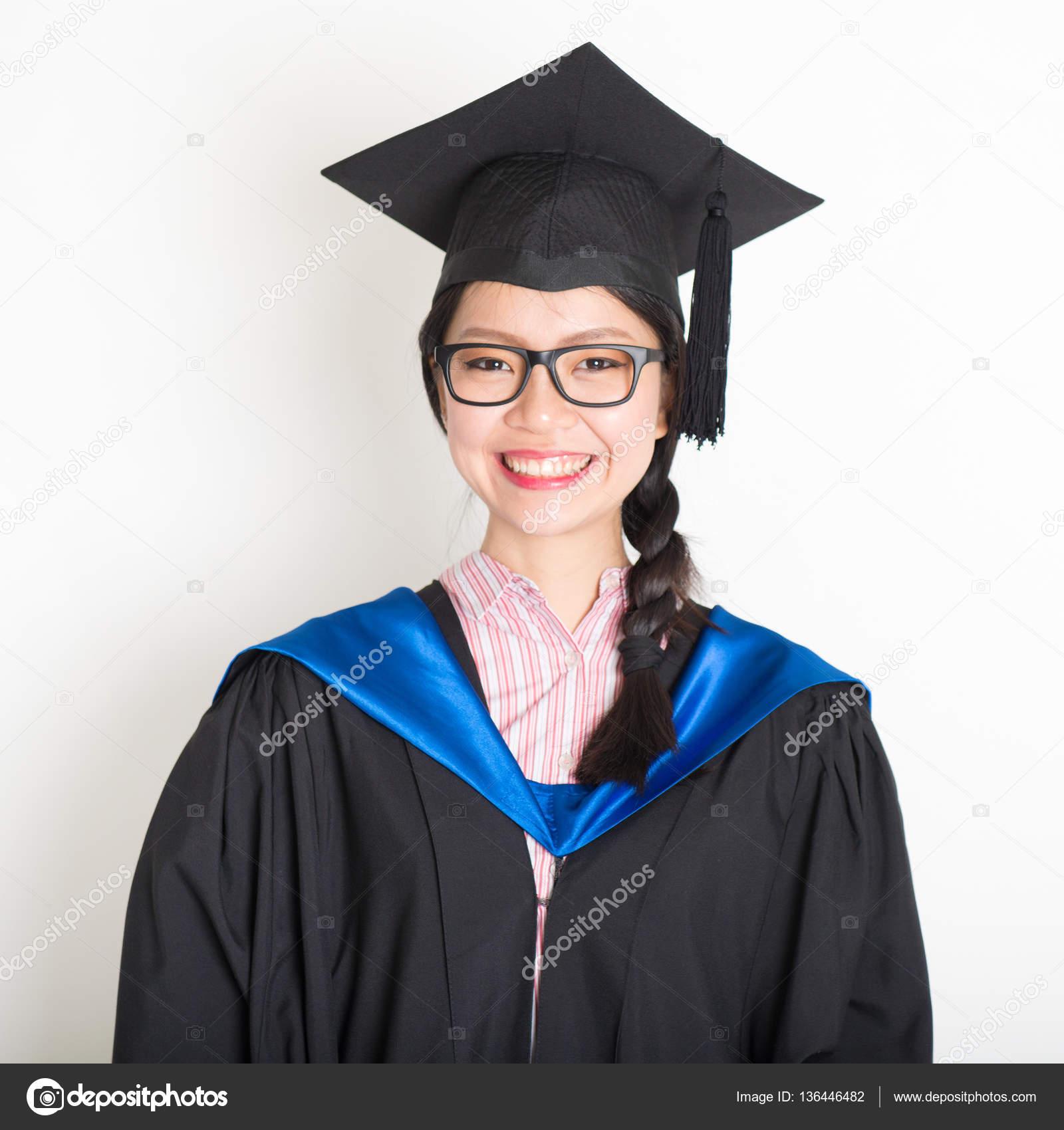 Modelos de vestidos de graduacion de universidad