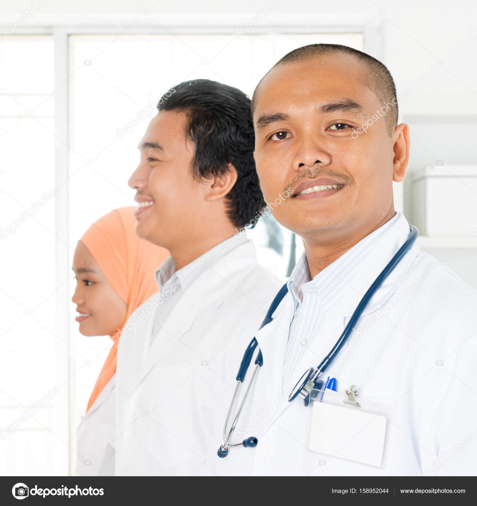 Asian medical team portrait– stock image