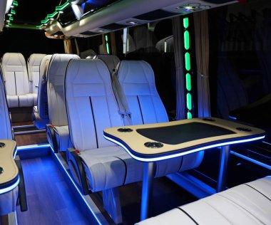 Mini Bus Table