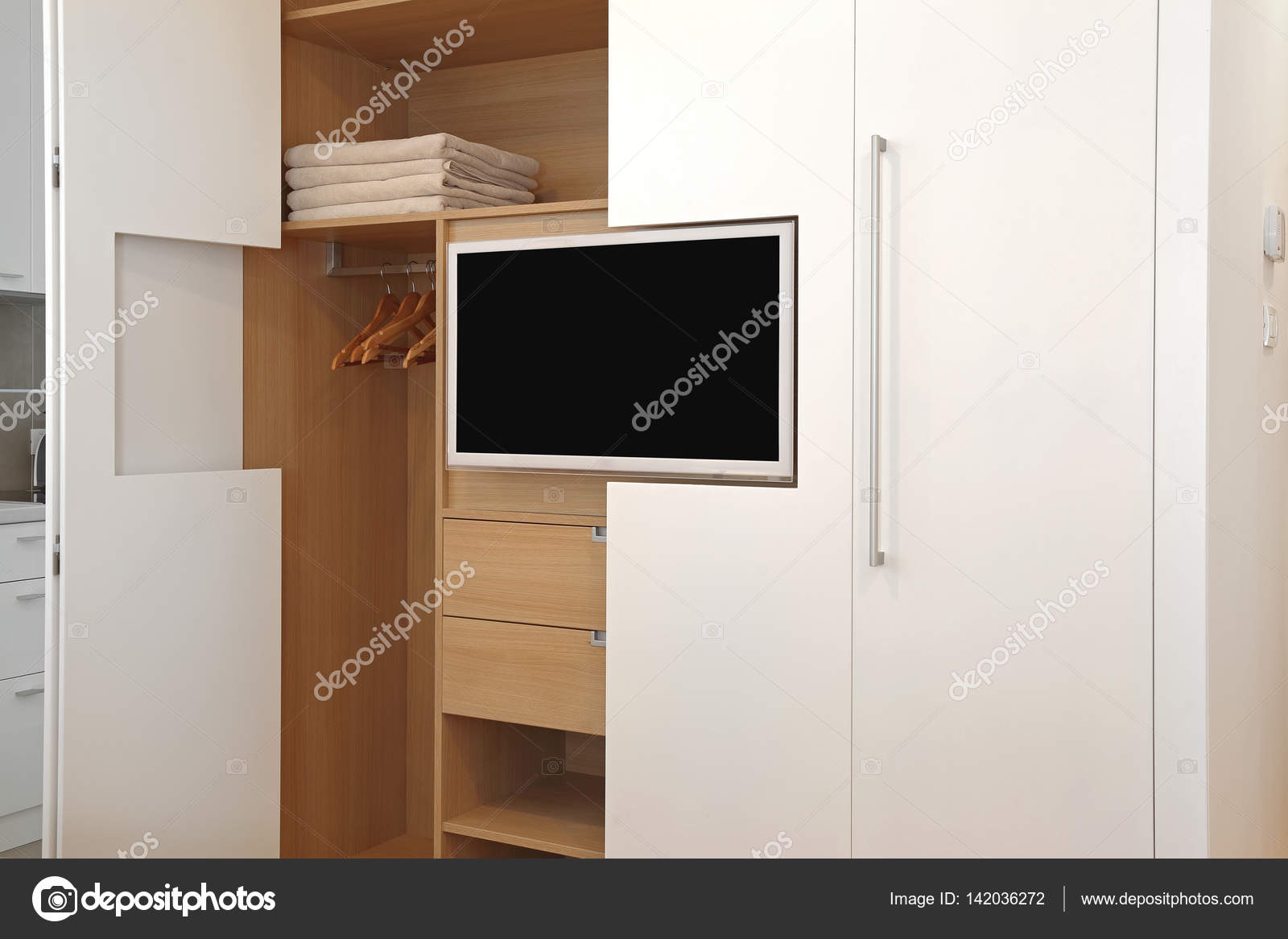 tv e guardaroba ? foto stock © baloncici #142036272 - Costruito Nel Design Armadio