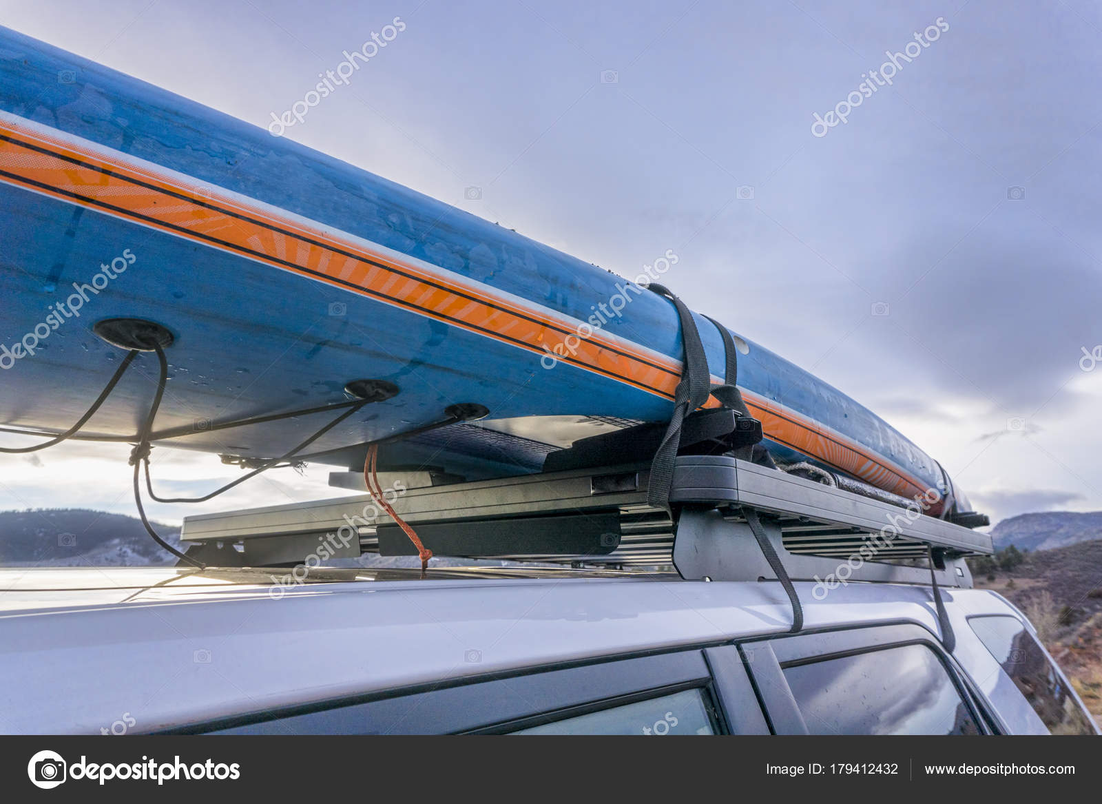 Paddle Board Car Racks >> Stand Up Paddleboard On Roof Racks Of Suv Stock Photo