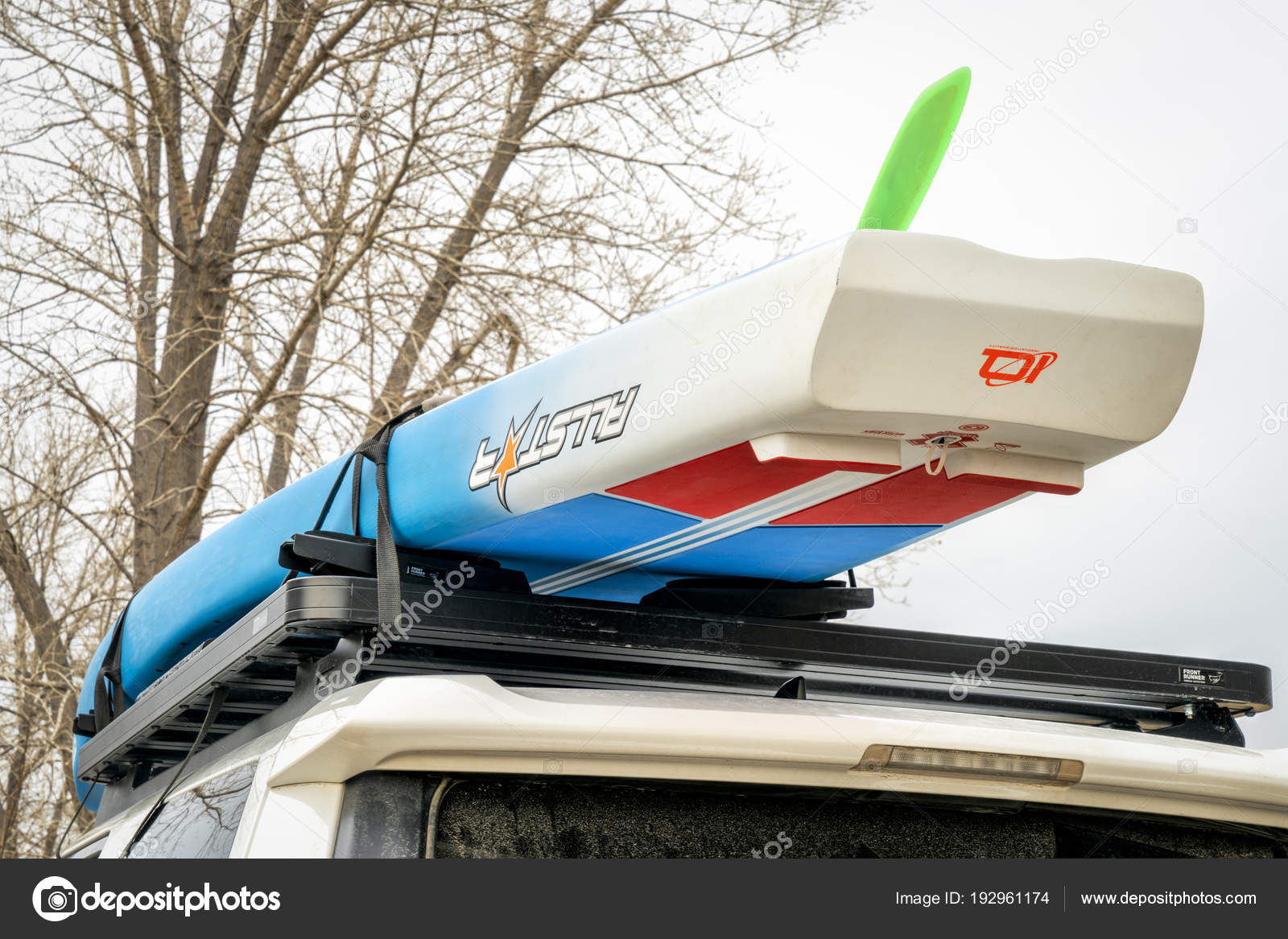 Paddle Board Car Racks >> Racing Paddleboard On Roof Of Toyota 4runner Suv Stock