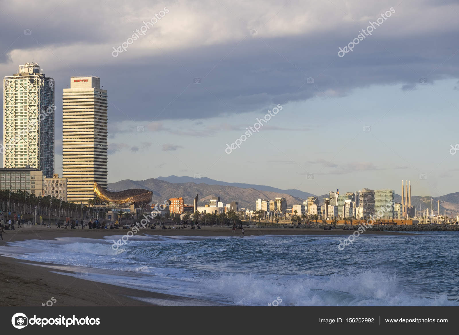 Panoramablick Uber Den Strand Von Barcelona Redaktionelles