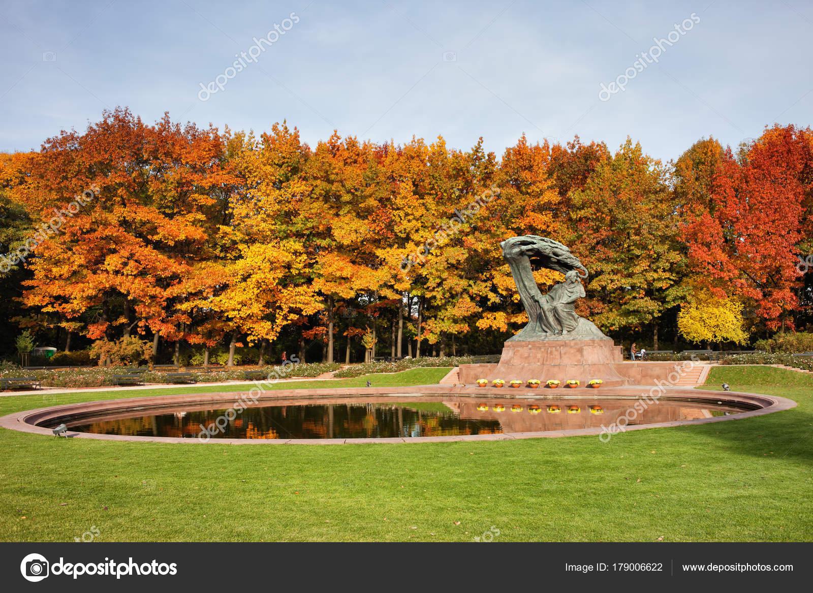 Herbst Im Royal Lazienki Park In Warschau Stockfoto Rognar