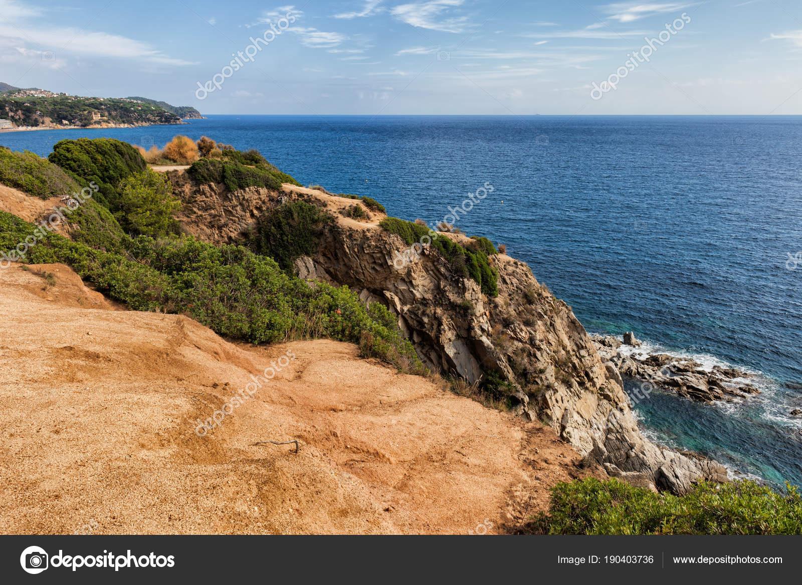 Scogliera Di Vista Terrazza Al Mare Mediterraneo Foto