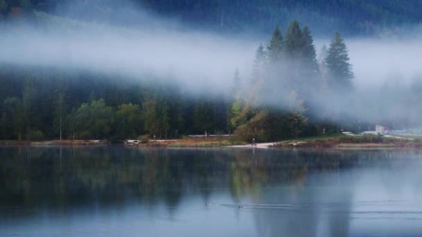 Nádherné podzimní ráno z Hintersee jezero z bavorských Alp na rakouské hranici, Německo, Evropa