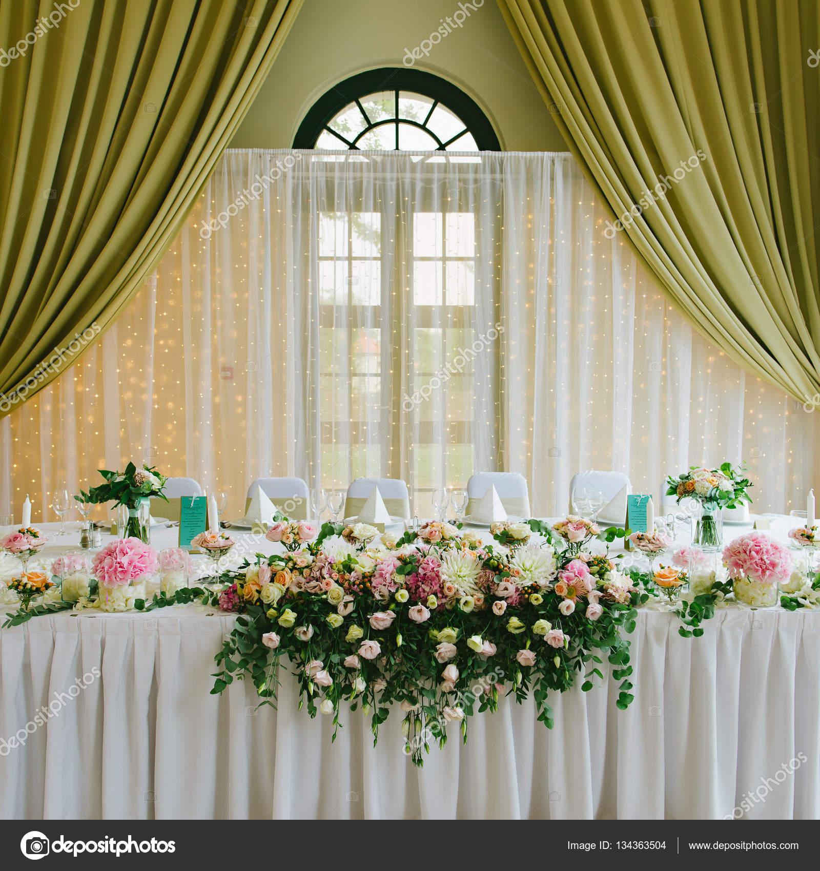 Elegant wedding decorations stock photo loriklaszlo 134363504 elegant wedding decorations stock photo junglespirit Choice Image