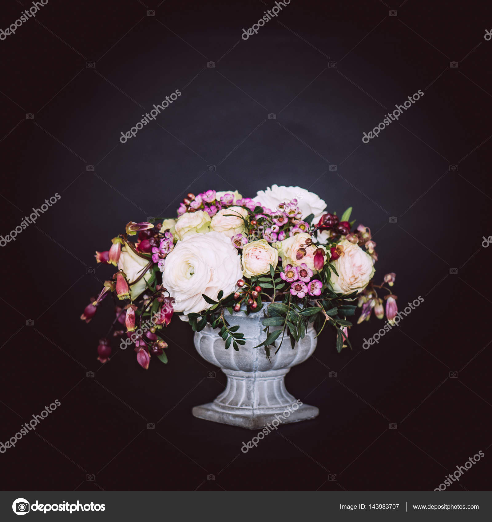 Vintage flower bouquet in old style vase — Stock Photo © loriklaszlo ...