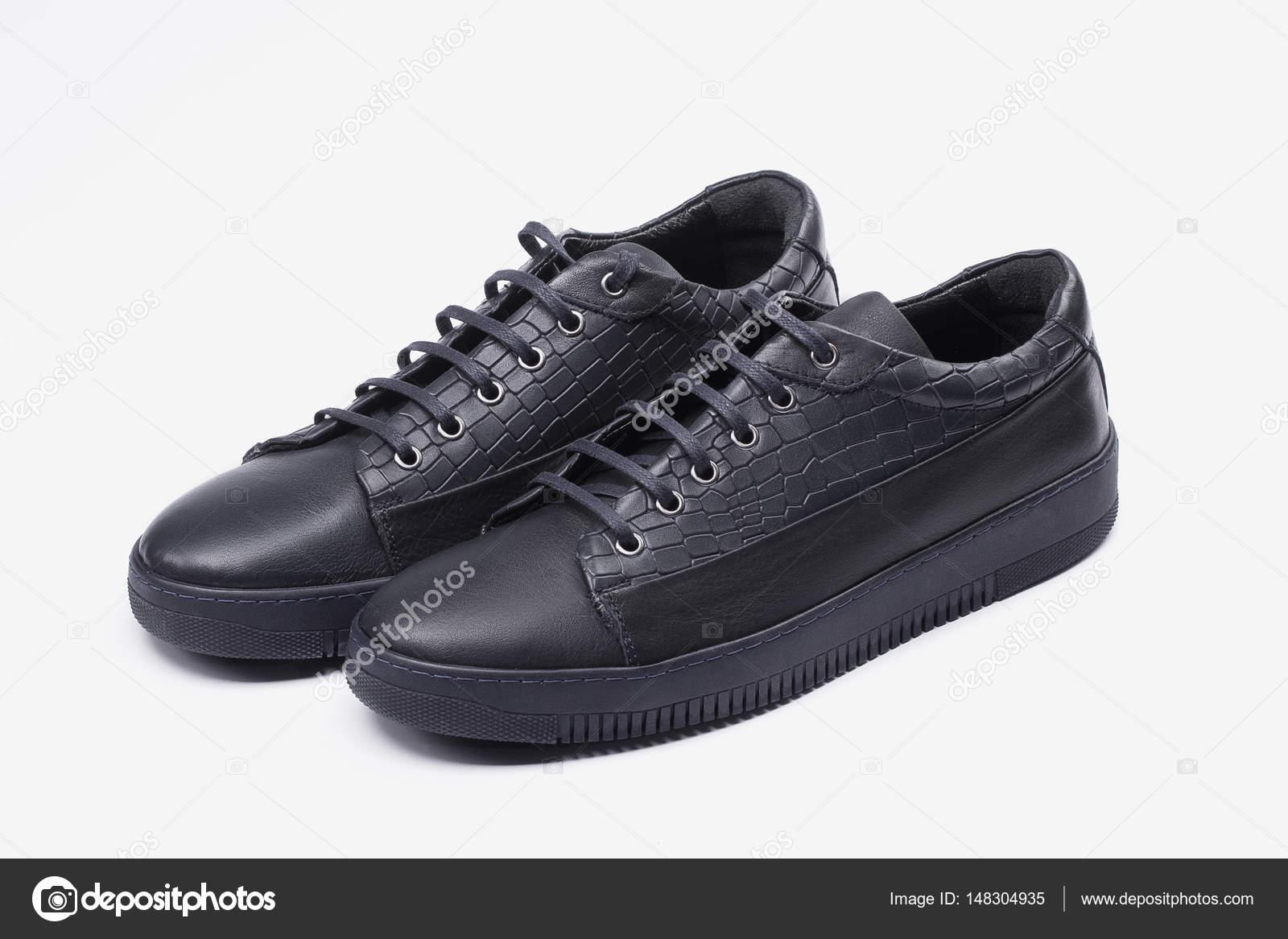 Синій і білий чоловіча взуття - кросівки — Стокове фото — Спорт ... d2349a28e7896