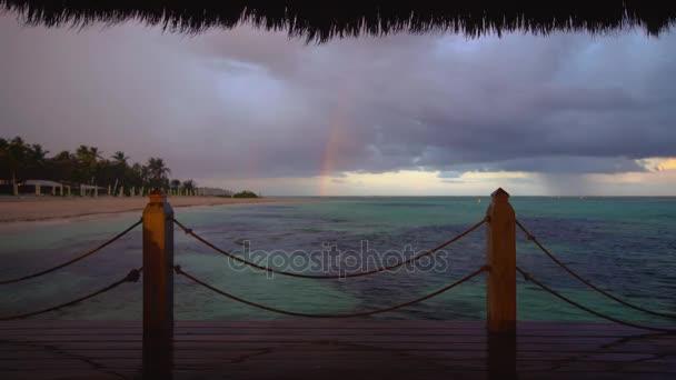 Szivárvány után a trópusi eső beach Punta Cana, Dominikai Köztársaság