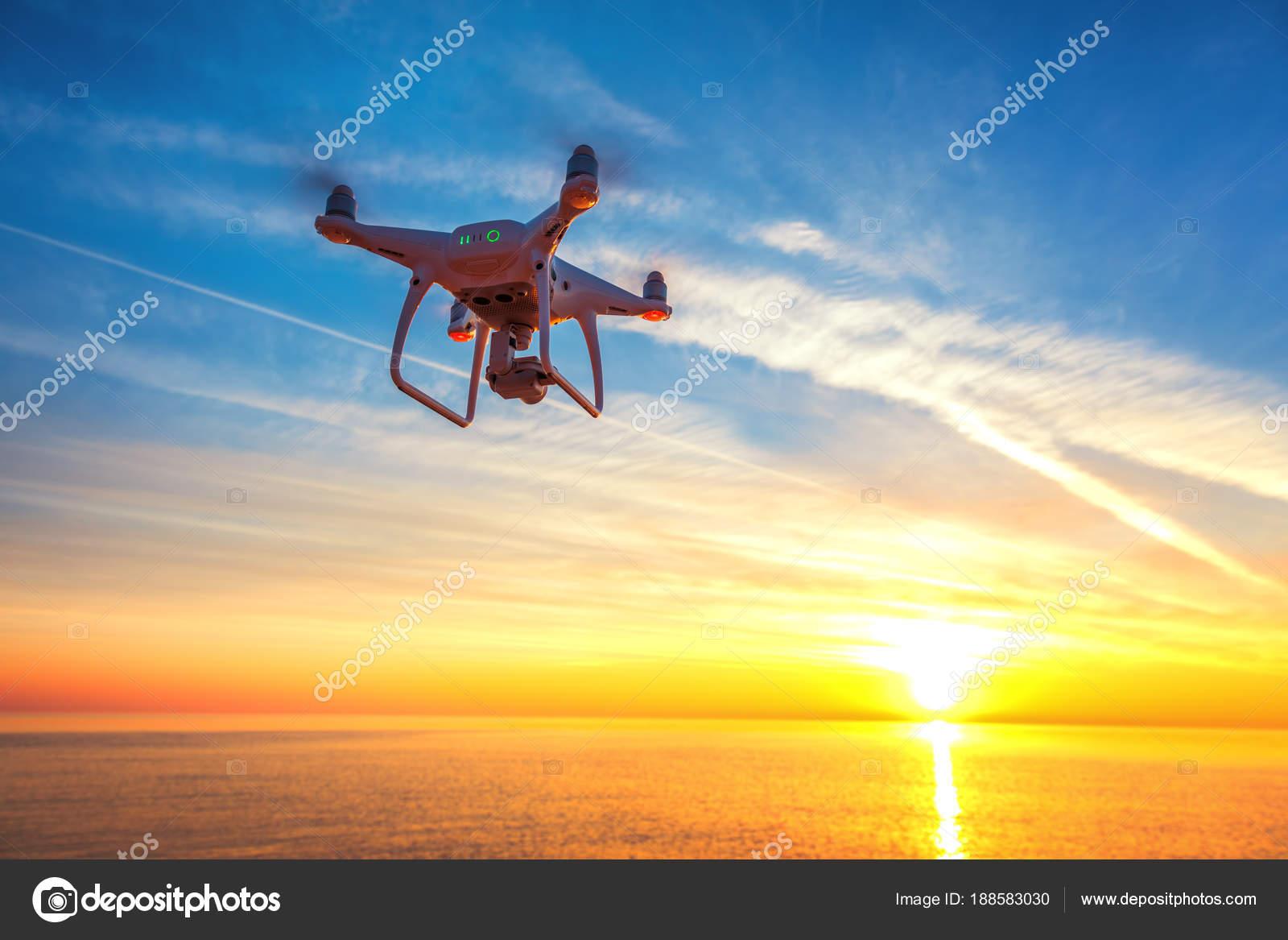 Schönen Guten Morgen über Das Meer Und Die Drohne