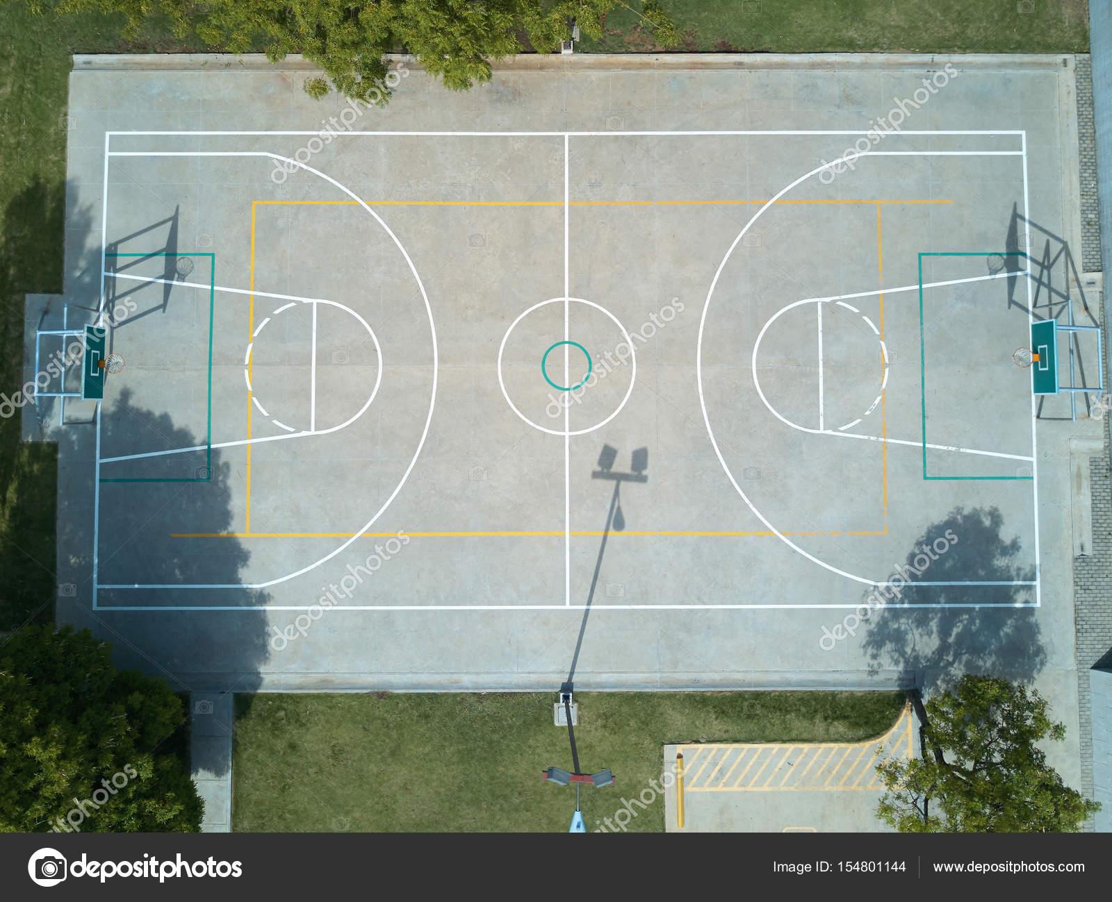 vue a rienne de terrain de basket ball photographie dimarik 154801144. Black Bedroom Furniture Sets. Home Design Ideas