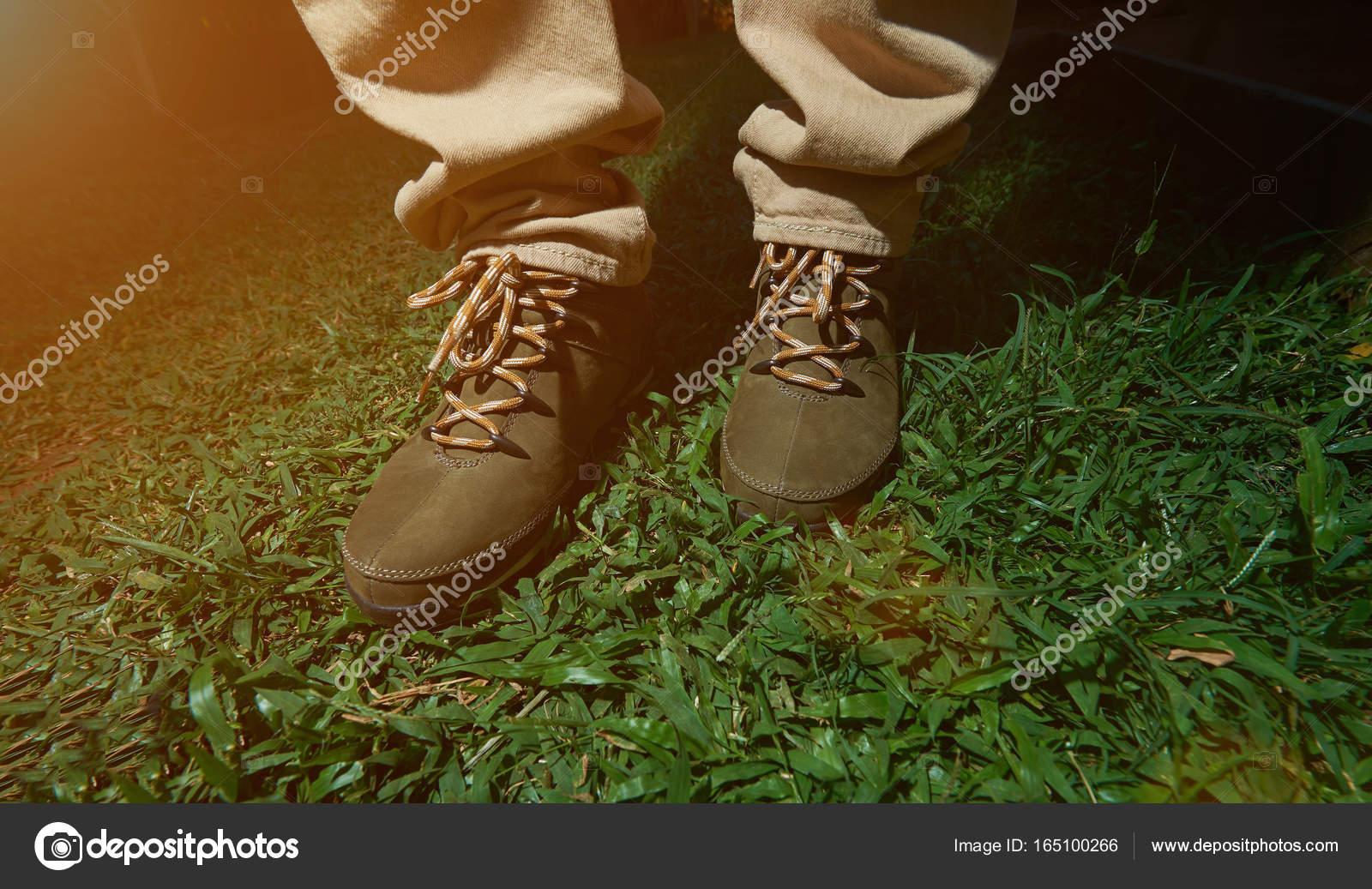 Nahaufnahme Des Braunen Wanderschuhe Stockfoto C Dimarik 165100266