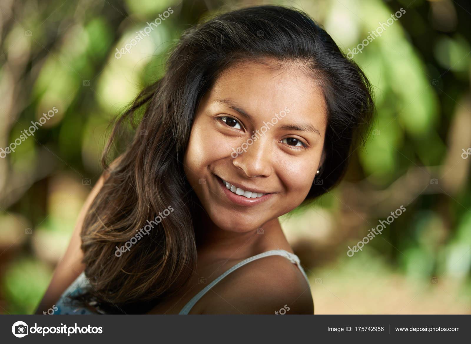 Pictures of hispanic women