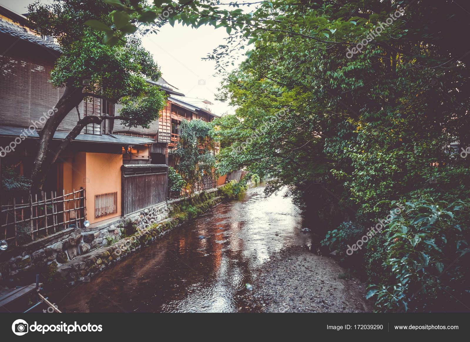 Traditionelle Japanische Häuser traditionelle japanische häuser am fluss shirakawa gion bezirk k