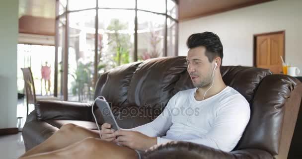 Польского порнофото парень у компа видео лесбиянок игрушками