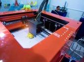 Tří dimenzionální tiskový stroj
