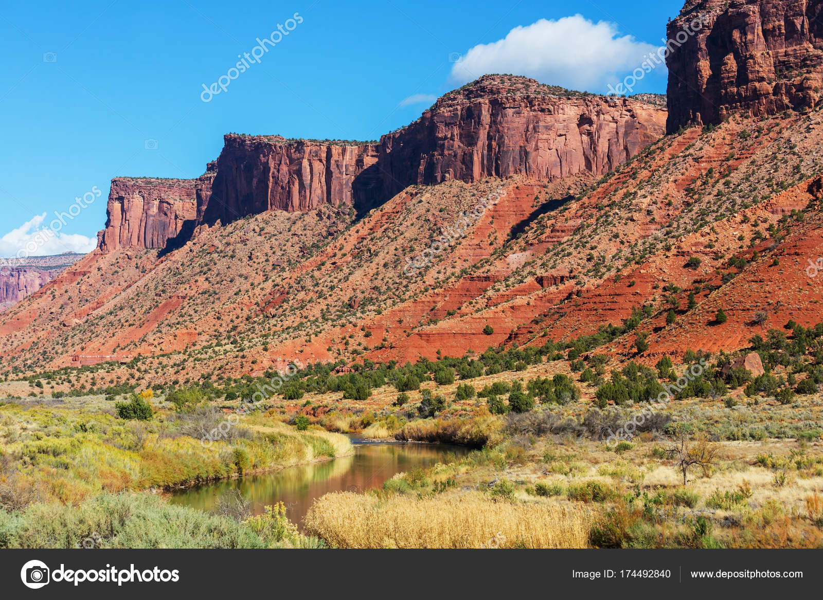 Paesaggi naturali colorado foto stock kamchatka 174492840 for Foto paesaggi naturali gratis