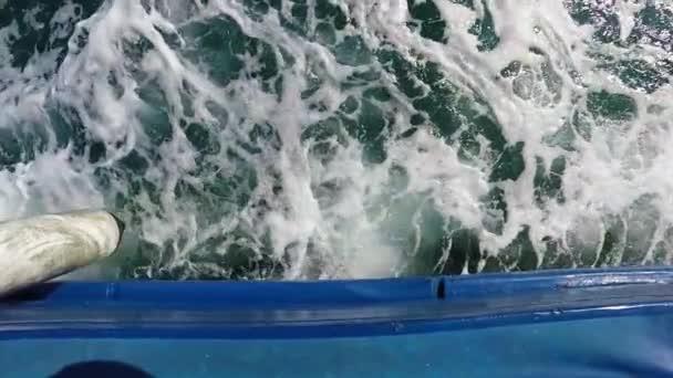 Plachetnice na moři, pomalý pohyb 120 fps