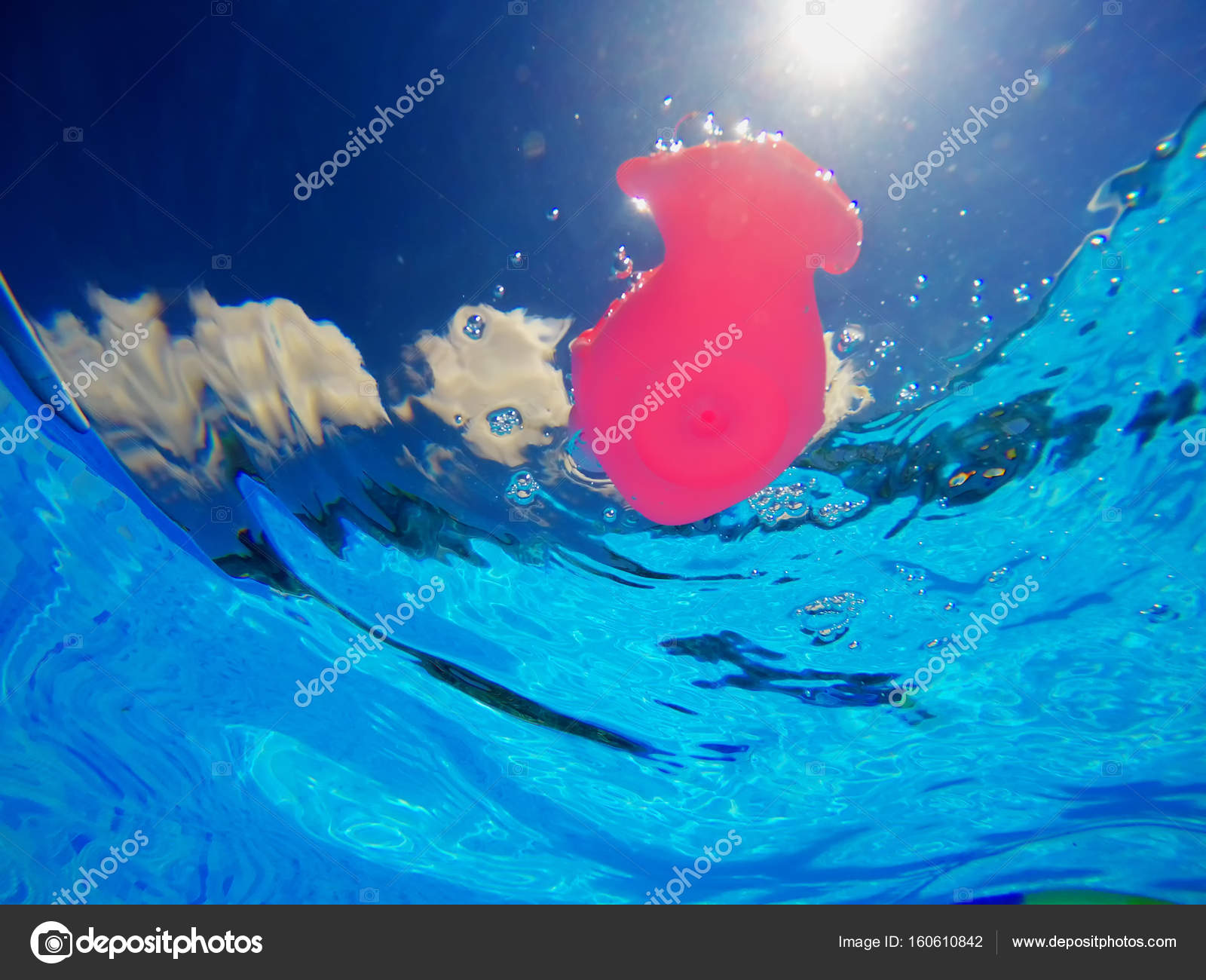 Generic rubber fish toy in swimming pool, underwater view — Stock ...
