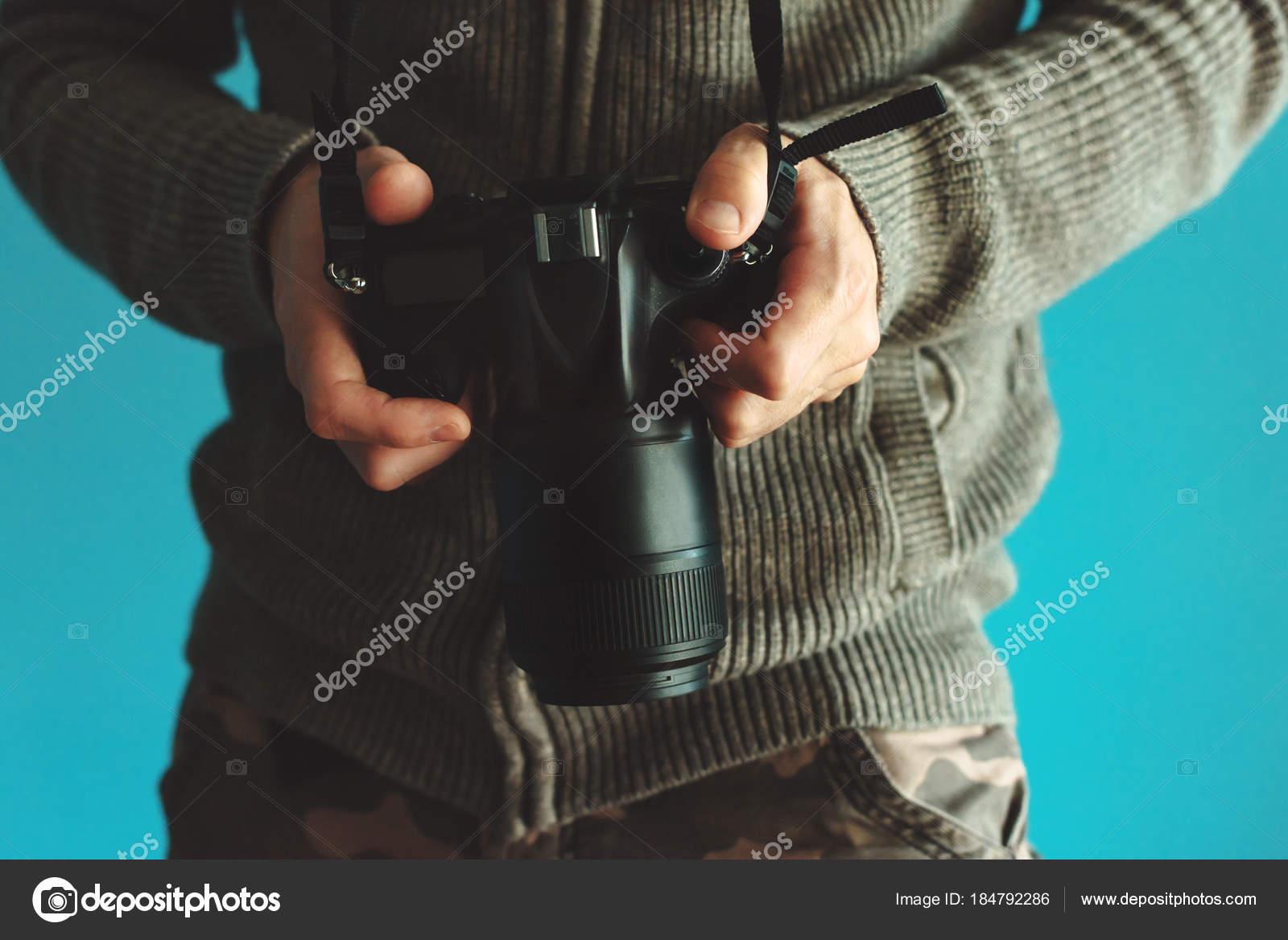 Fotógrafo con completo marco sensor Dslr cámara — Foto de stock ...