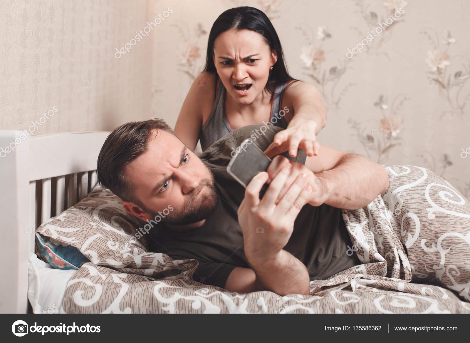 Смотреть муж и жена в постели фото 159-59