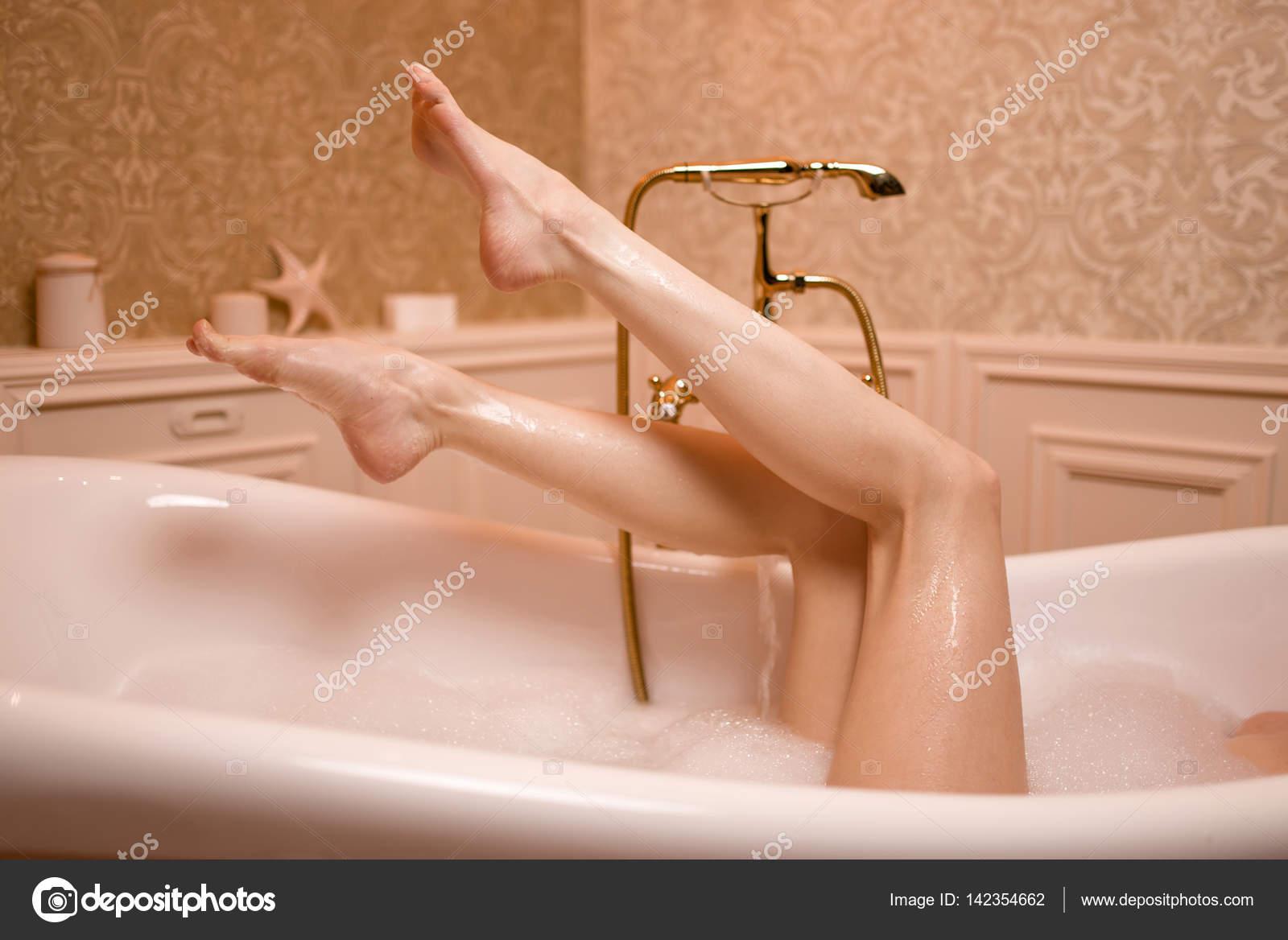 Vasca Da Bagno Piedini : Vasca da bagno di ispirazione retrò