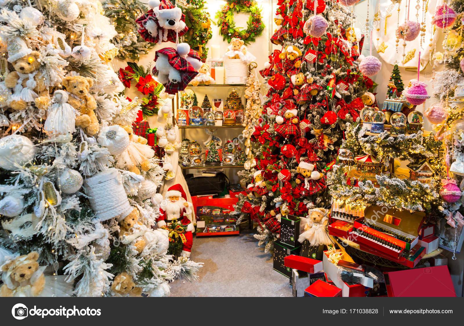 Alberi Di Natale Decorati Foto.Alberi Di Natale Decorati Con Le Bagattelle Foto Stock