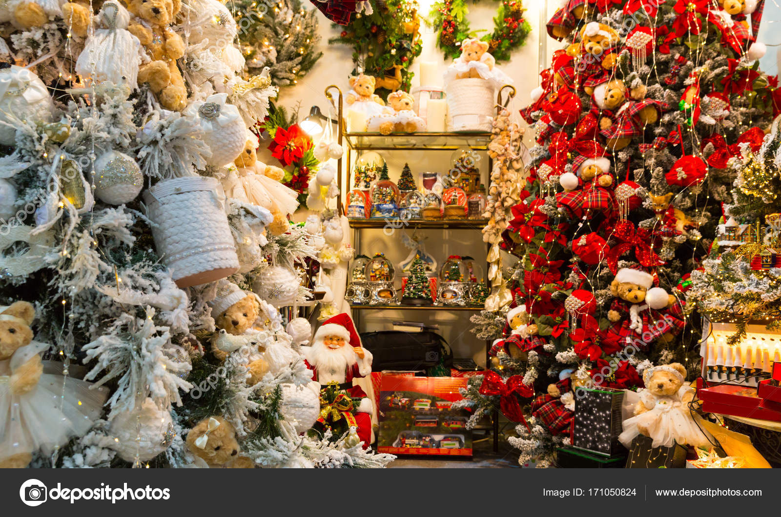 Immagini Di Alberi Di Natale Decorati.Alberi Di Natale Decorati Con Le Bagattelle Foto Stock