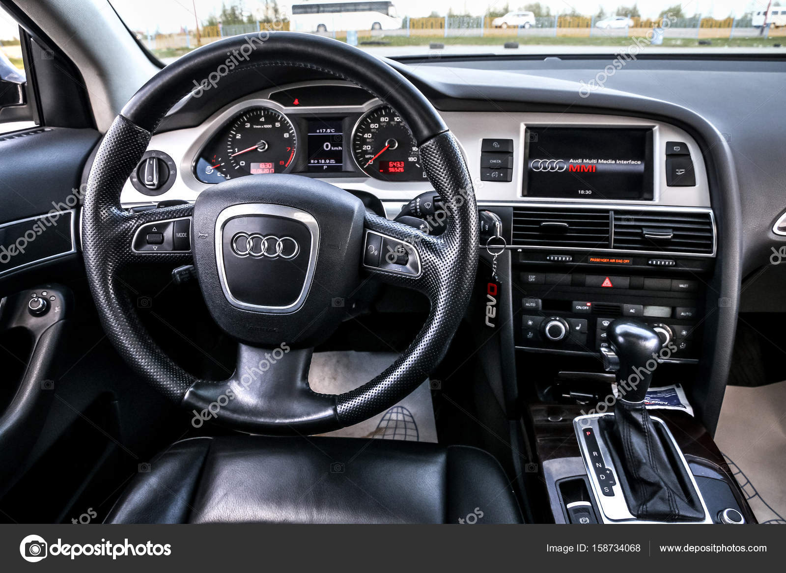interior da audi a6 fotografia de stock editorial artzzz 158734068. Black Bedroom Furniture Sets. Home Design Ideas