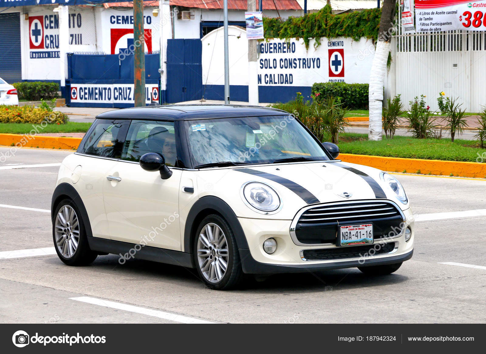 acapulco mexico may 2017 motor car mini cooper city street stock editorial photo c artzzz 187942324 https depositphotos com 187942324 stock photo acapulco mexico may 2017 motor html