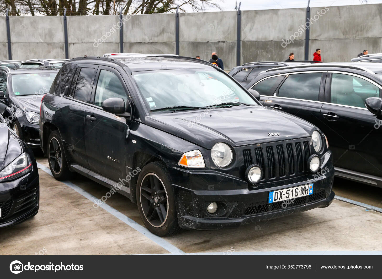 Geneva Switzerland March 2019 Black Compact Crossover Suv Jeep Compass Stock Editorial Photo C Artzzz 352773796