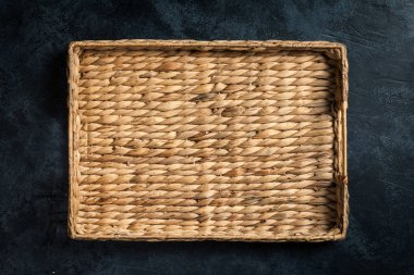 Wicker tray for food