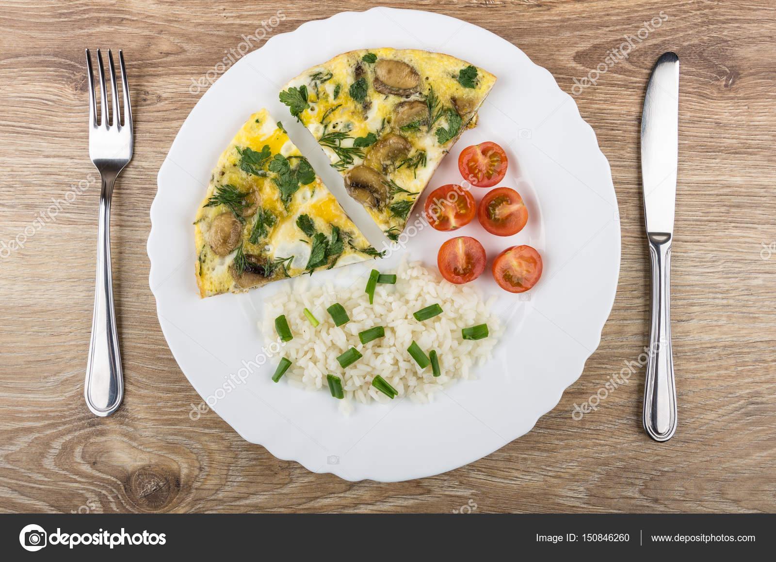 Αποτέλεσμα εικόνας για χόρτα τηγανιτα με λουκάνικο φωτο