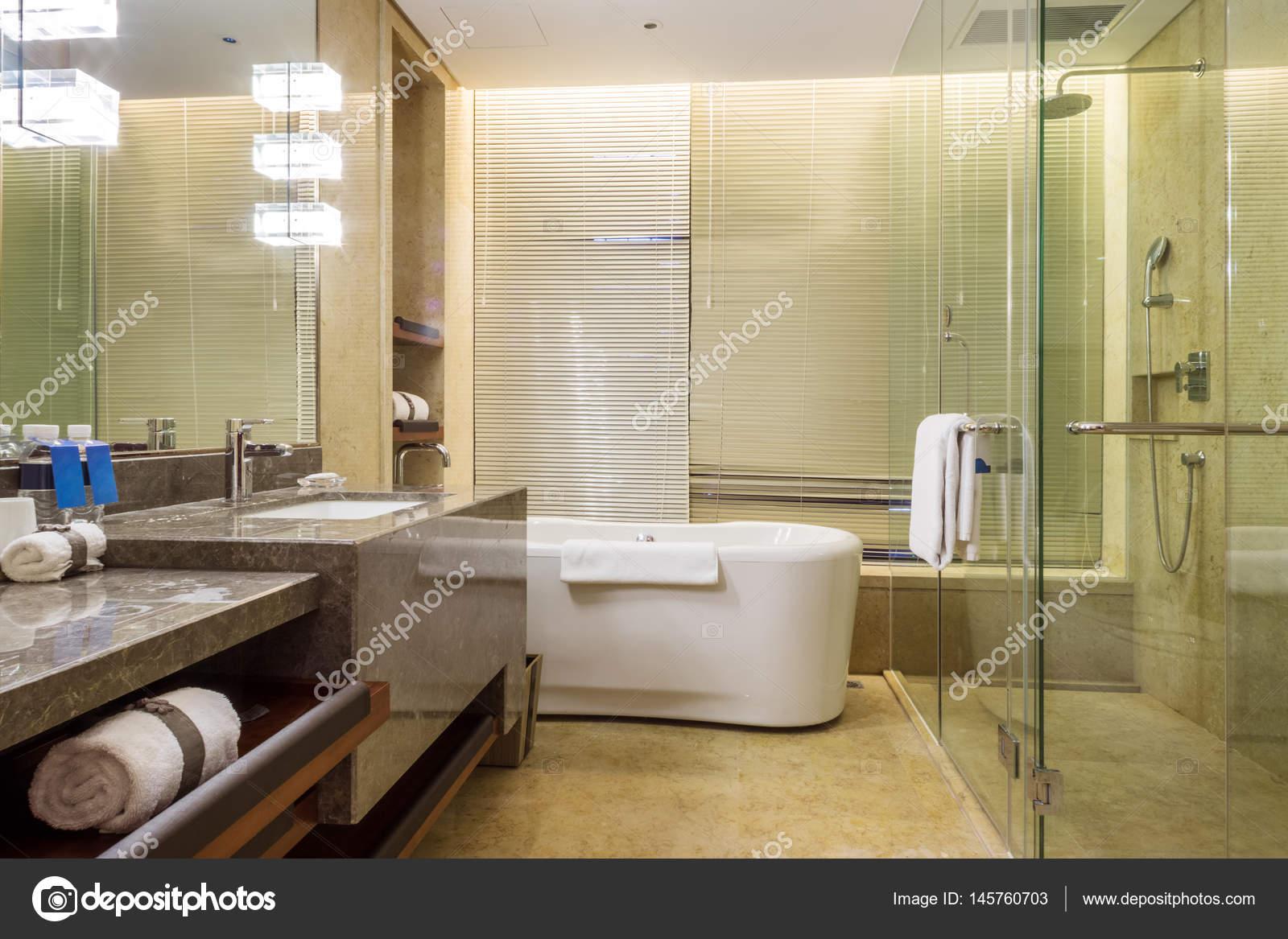 Interieur van moderne badkamer u stockfoto zhudifeng
