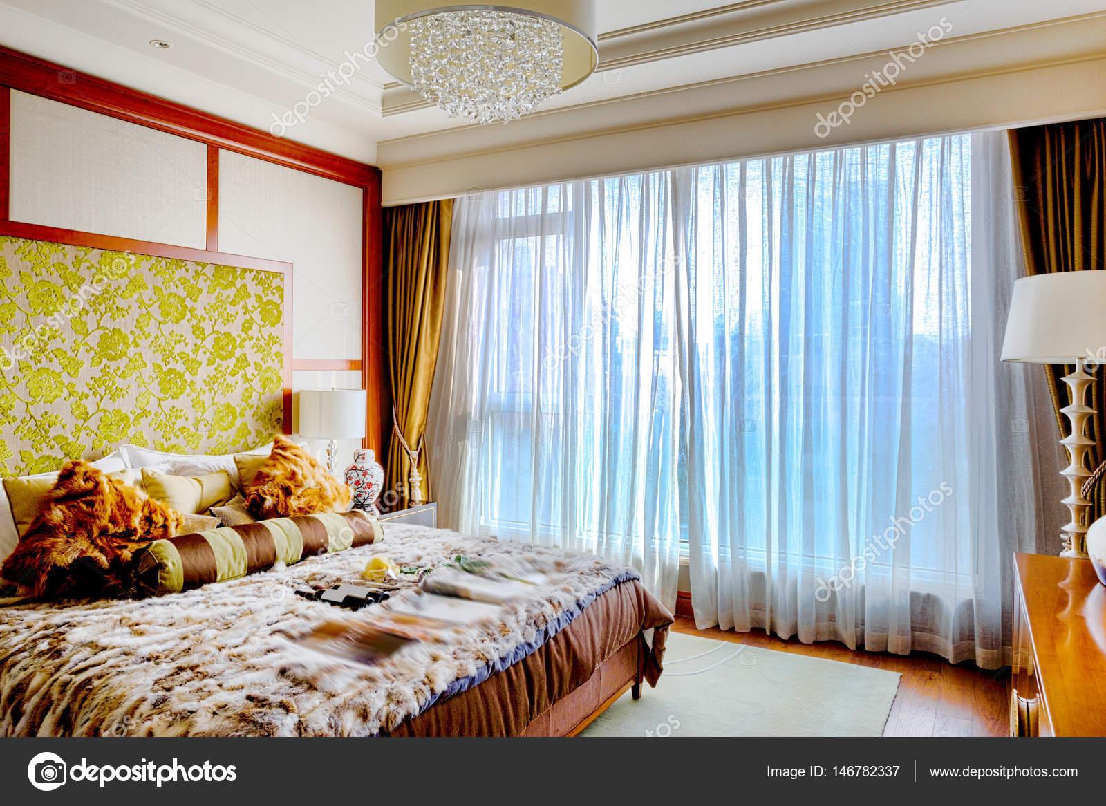 interieur van moderne slaapkamer — Stockfoto © zhudifeng #146782337