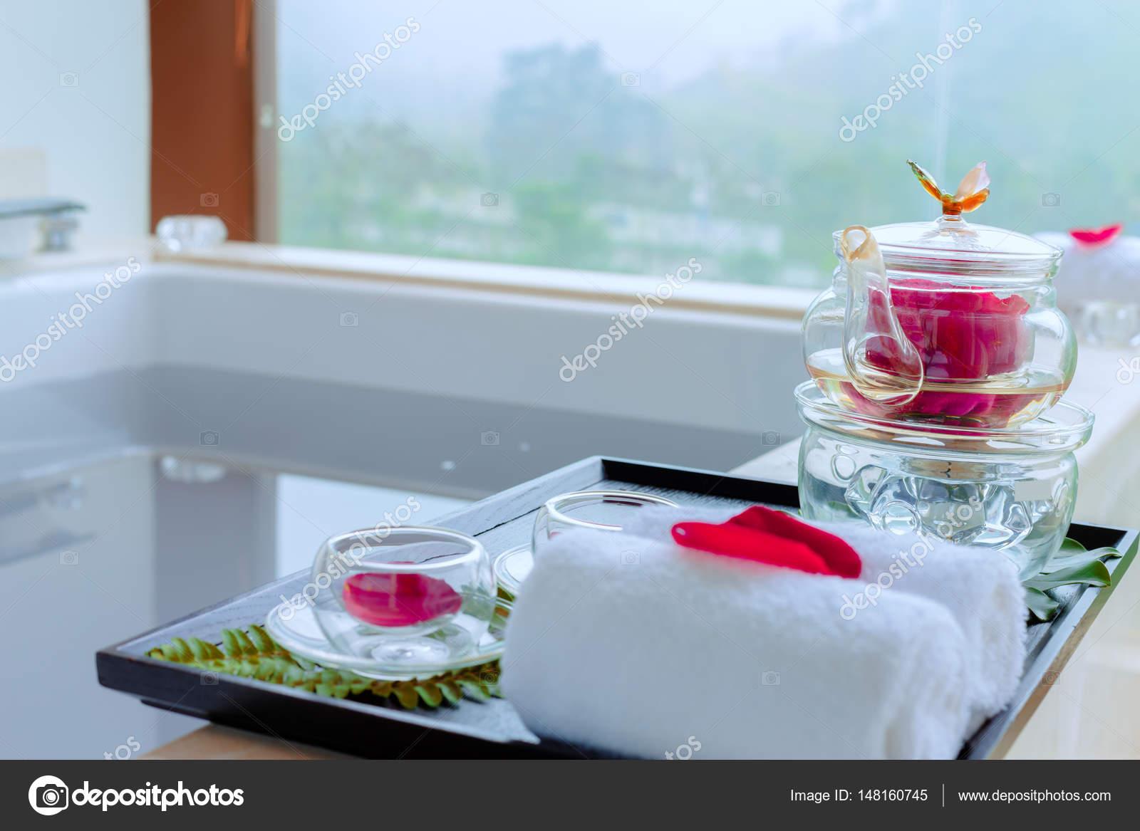 interior of modern spa bathroom — Stock Photo © zhudifeng #148160745