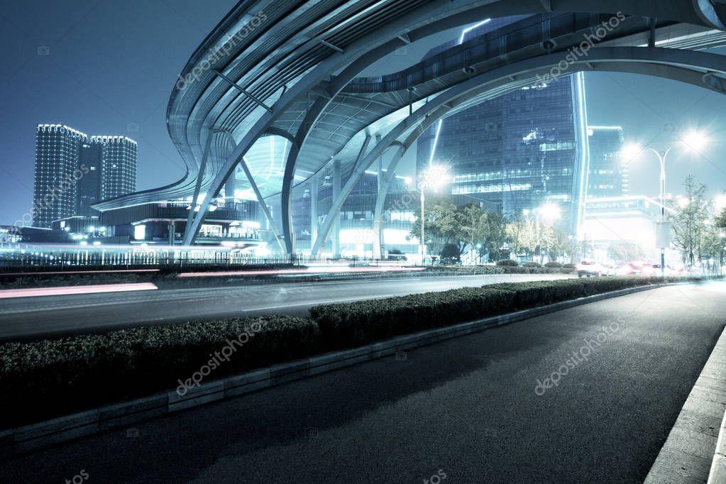 Фотообои traffic on road in midtown of modern city