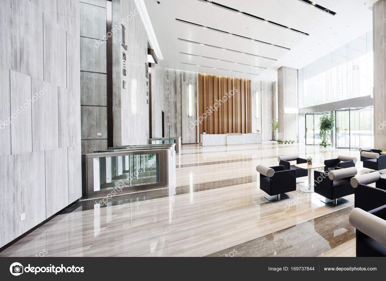 Entree Moderne intérieur du hall d'entrée moderne — photographie zhudifeng © #169737844