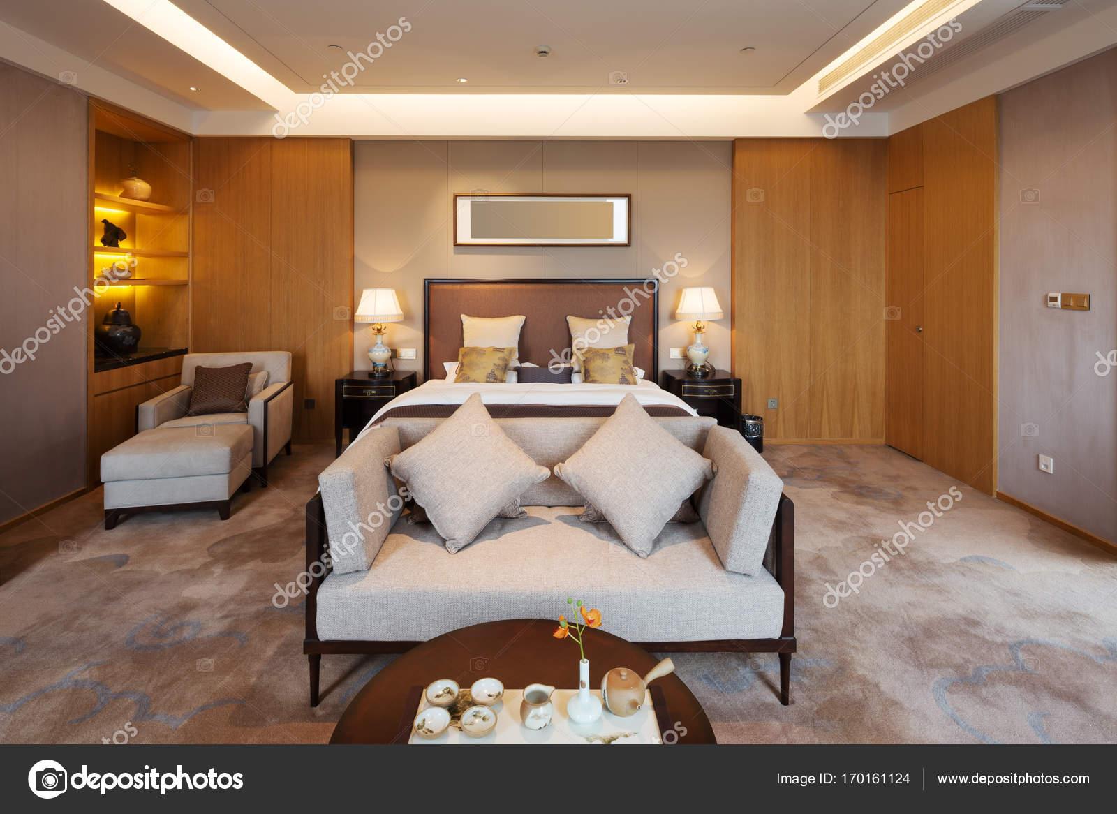 Intérieur de la chambre de luxe moderne — Photographie ...