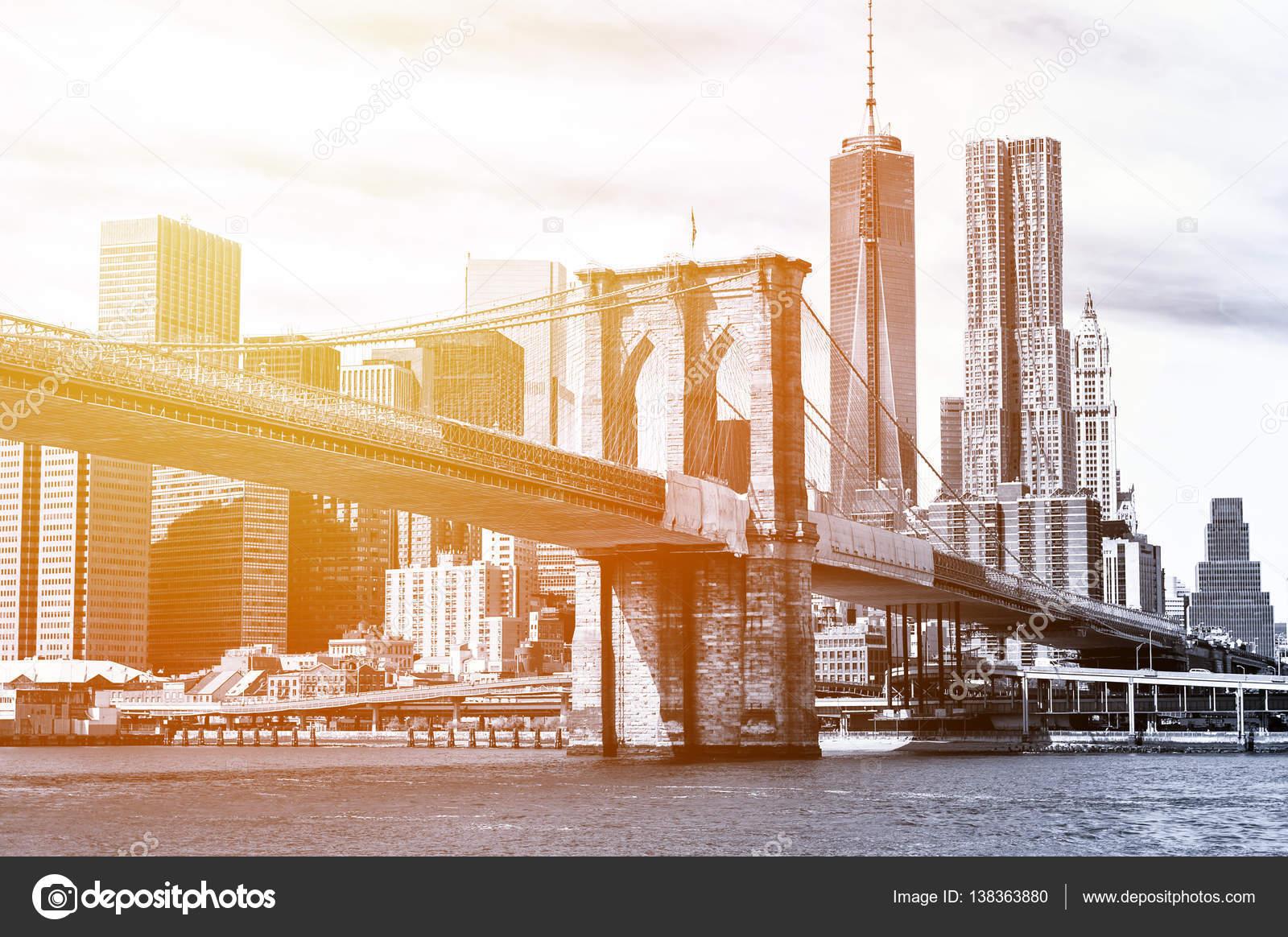 schwarz wei new york skyline bei sonnenuntergang stockfoto cla1978 138363880. Black Bedroom Furniture Sets. Home Design Ideas