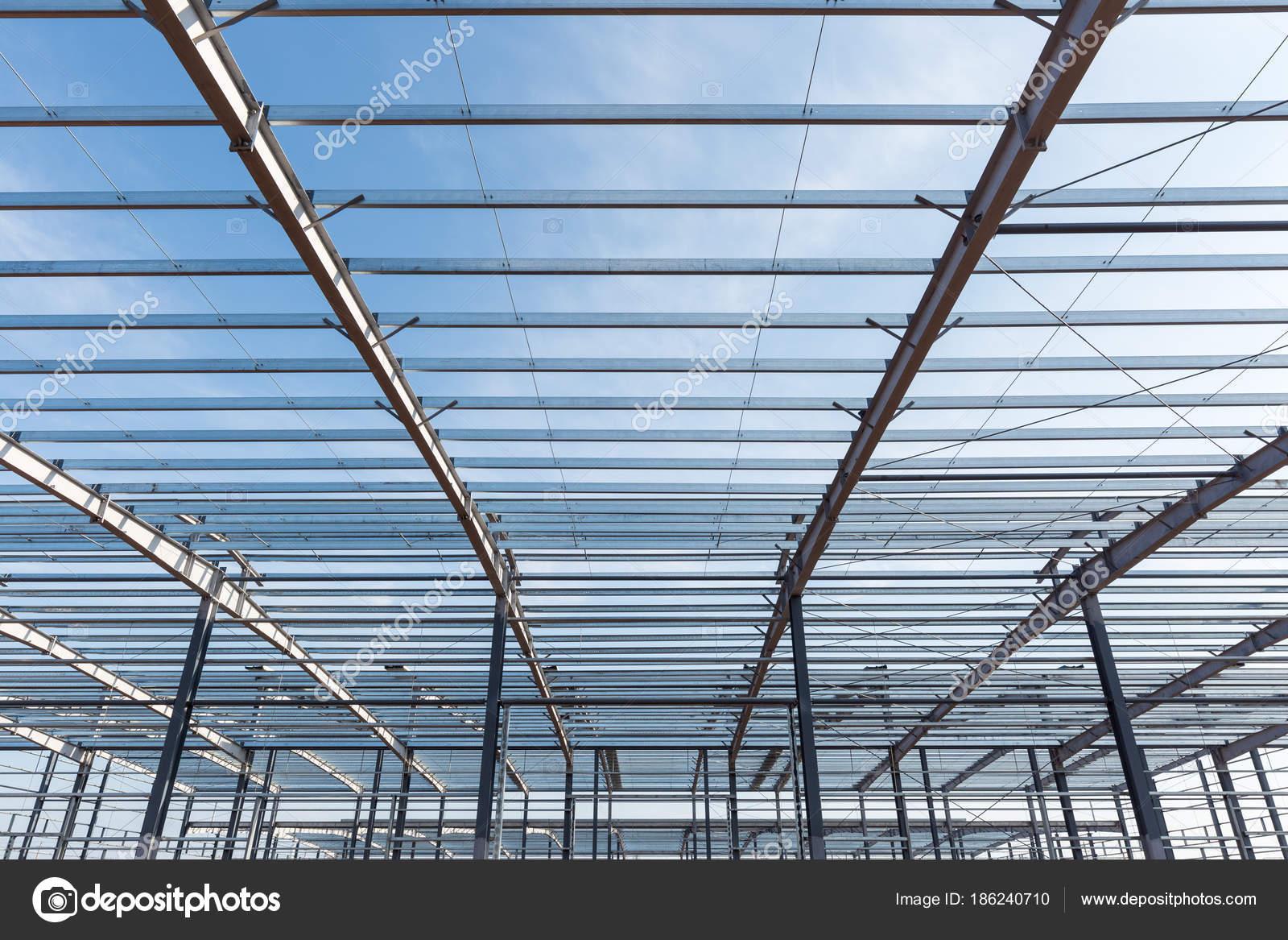 edificio de estructura de acero — Foto de stock © chungking #186240710