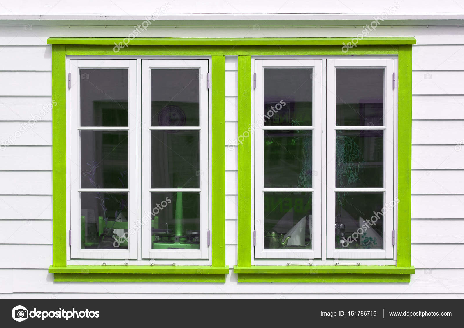 Skandinavisches haus innen  Windows in skandinavischen Haus — Stockfoto © Pixelery.com #151786716