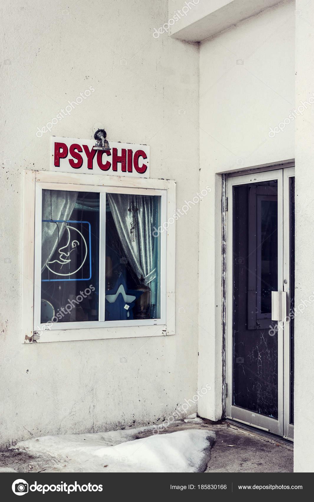 Exterior Psychic Shop Closed Winter Season — Stock Photo
